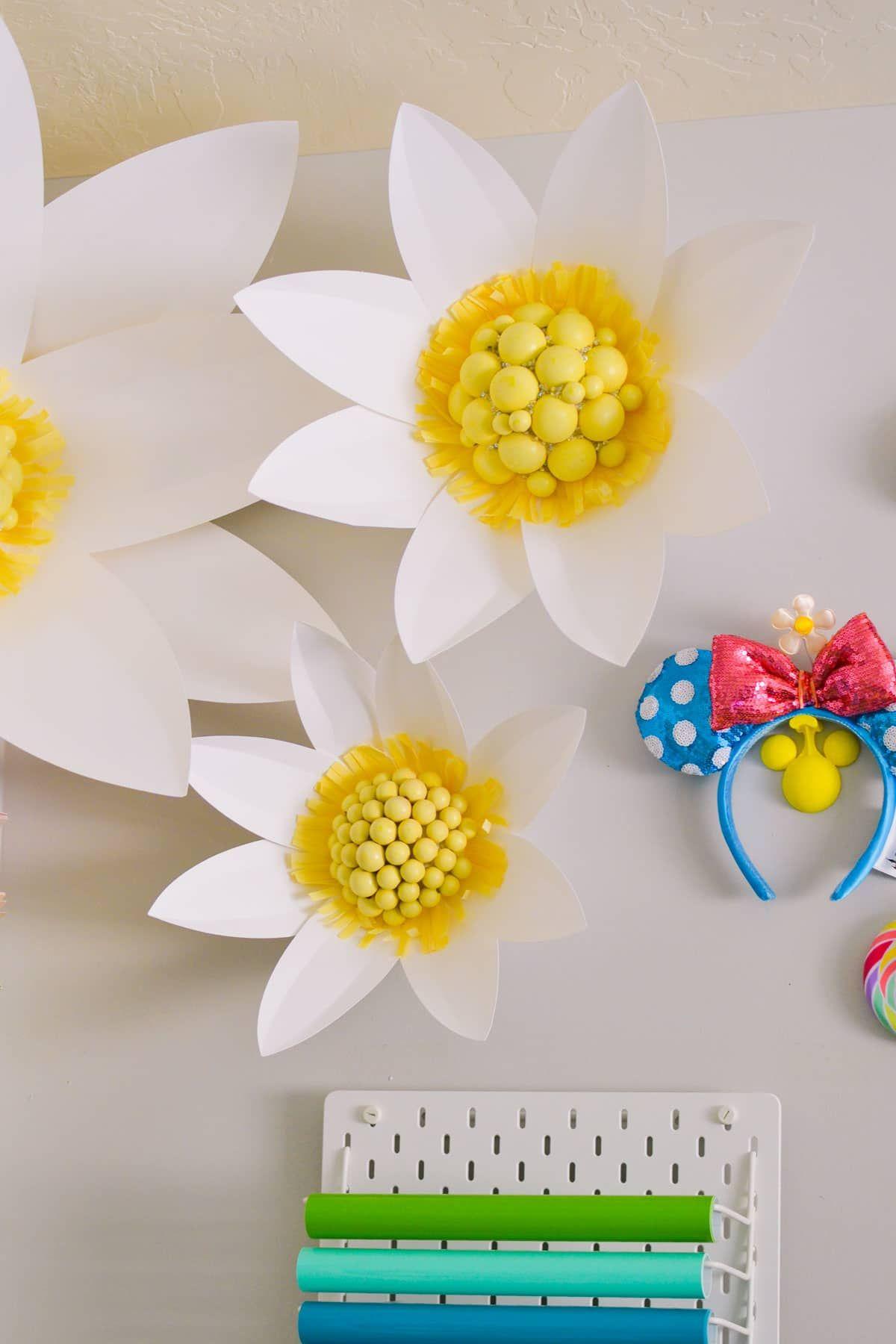 Create Amazing Jumbo Paper Flowers Using Your Cricut Maker These