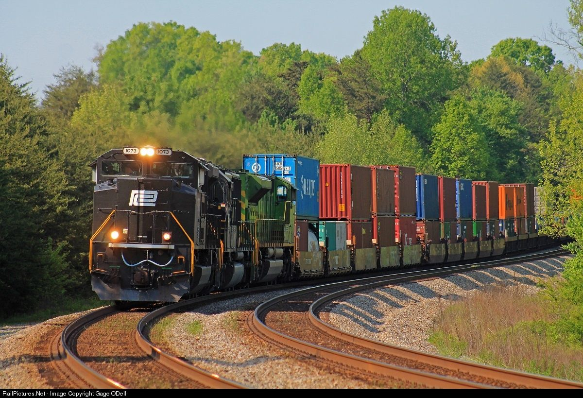 RailPictures.Net Photo: NS 1073 Norfolk Southern EMD SD70ACe at Strunk, Kentucky by Gage ODell