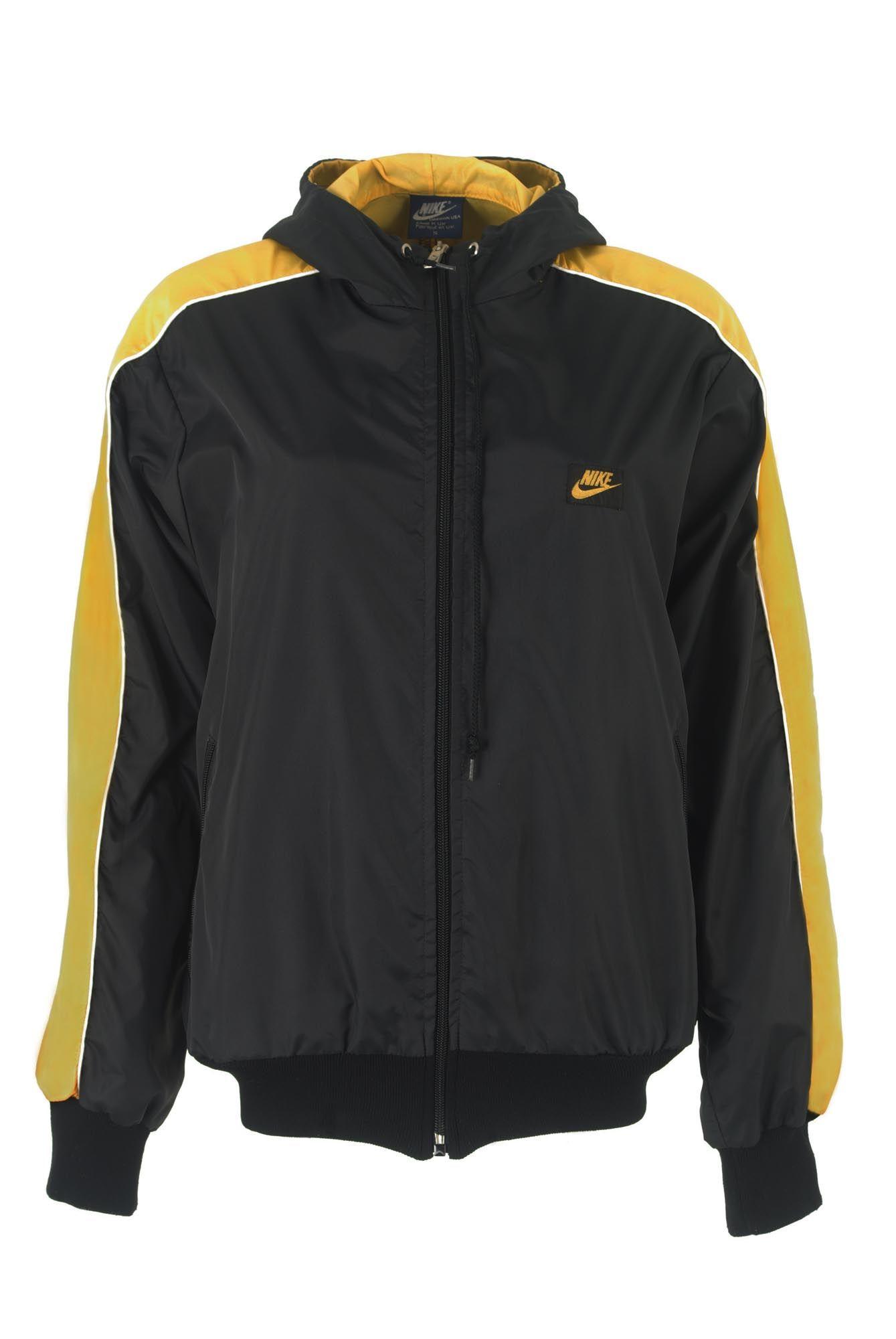 Veste coupe vent Nike Sportswear 90's chez Be Bop & Lula Boutique de  vêtements vintage en
