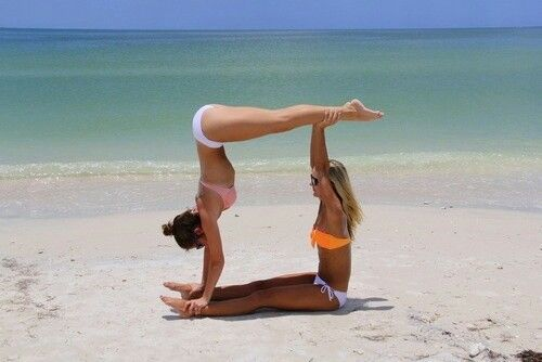 Square Doing This At The Beach In Florida Friends Photography Best Friend Photography Friend Poses