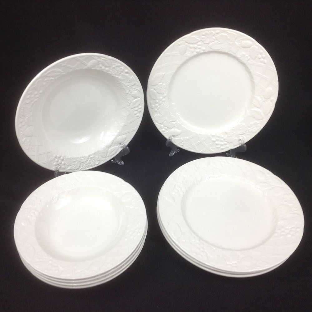 MIKASA ENGLISH COUNTRYSIDE WHITE 4 Dinner Plates 4 bowls 1 serving dish & MIKASA ENGLISH COUNTRYSIDE WHITE 4 Dinner Plates 4 bowls 1 serving ...
