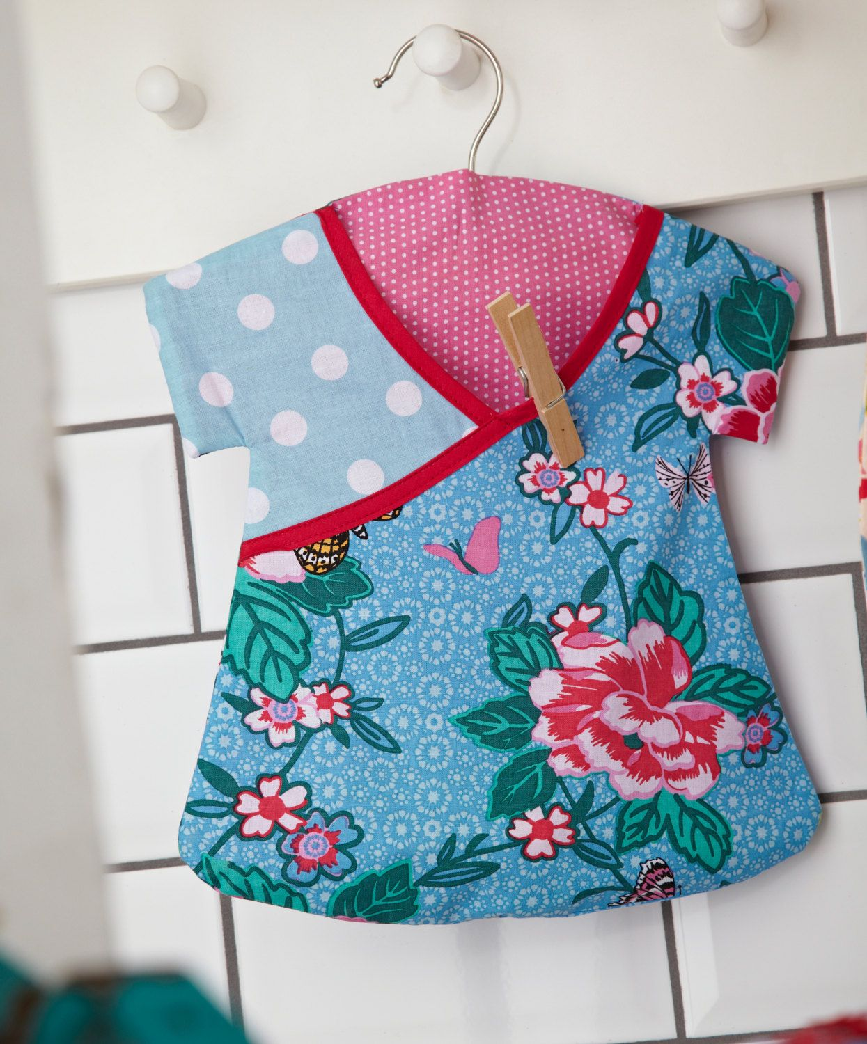 Clothes Peg Bag Retro Dress Shaped with by mountainlodge on love it ...