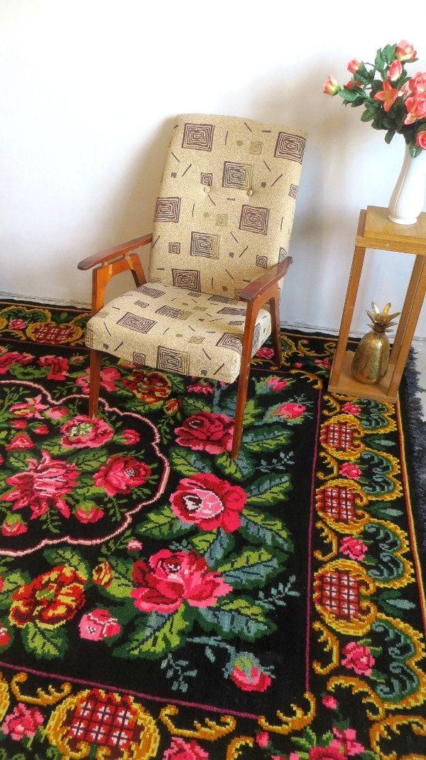 rose kilim rug floral rug tapis kilim aux roses wool rug. Black Bedroom Furniture Sets. Home Design Ideas