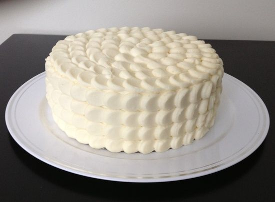 how to decorate a cake with cream cheese frosting ...