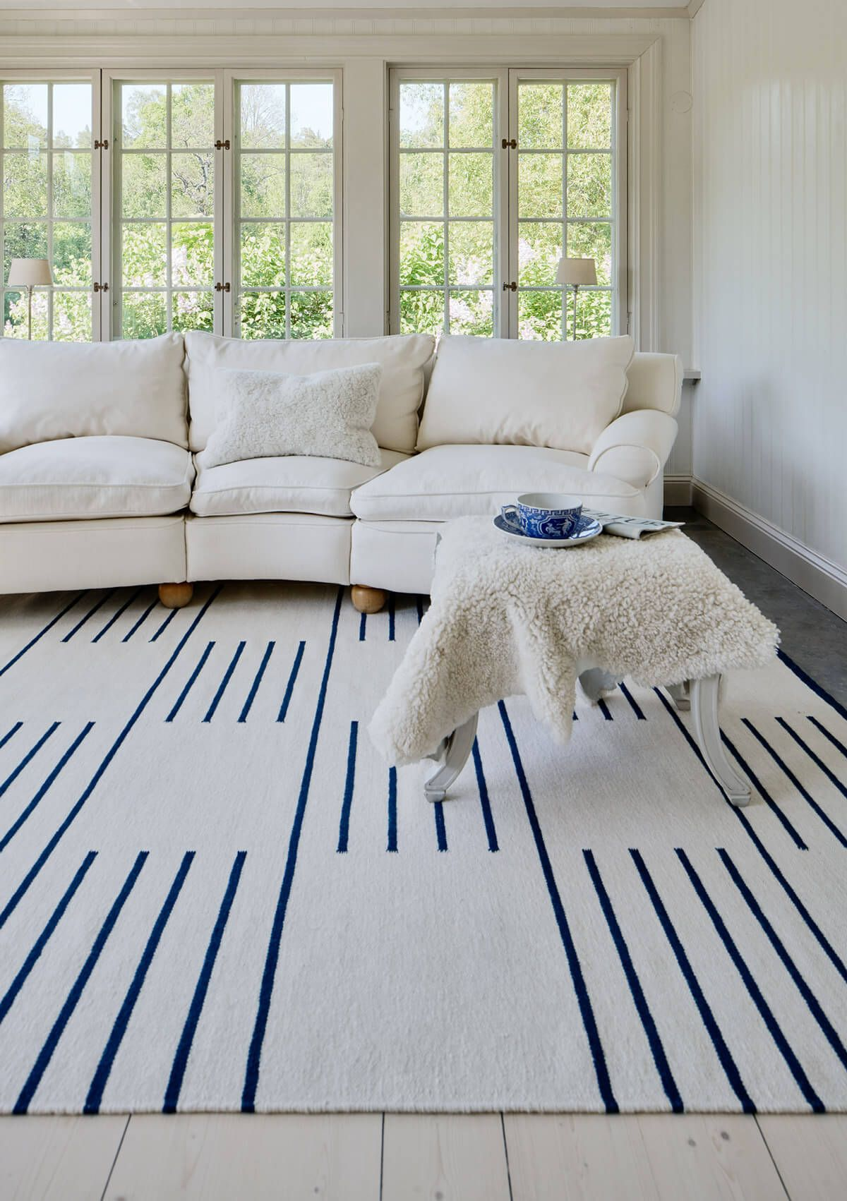 Classic Cream Blue Nordic Knots In 2020 Scandinavian Rug Classic Rugs Rugs In Living Room