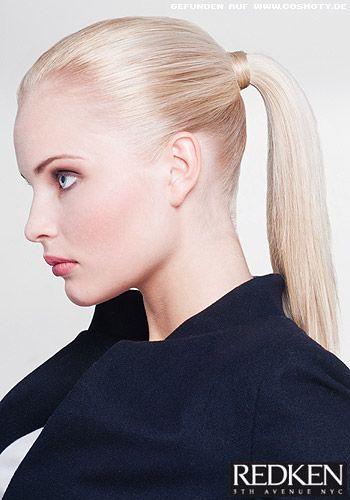 Frisuren Bilder Strenger Zopf Mit Strahnen Umwickelt Frisuren Haare Geflochtene Haare Zopfe Frisuren Haarschnitte