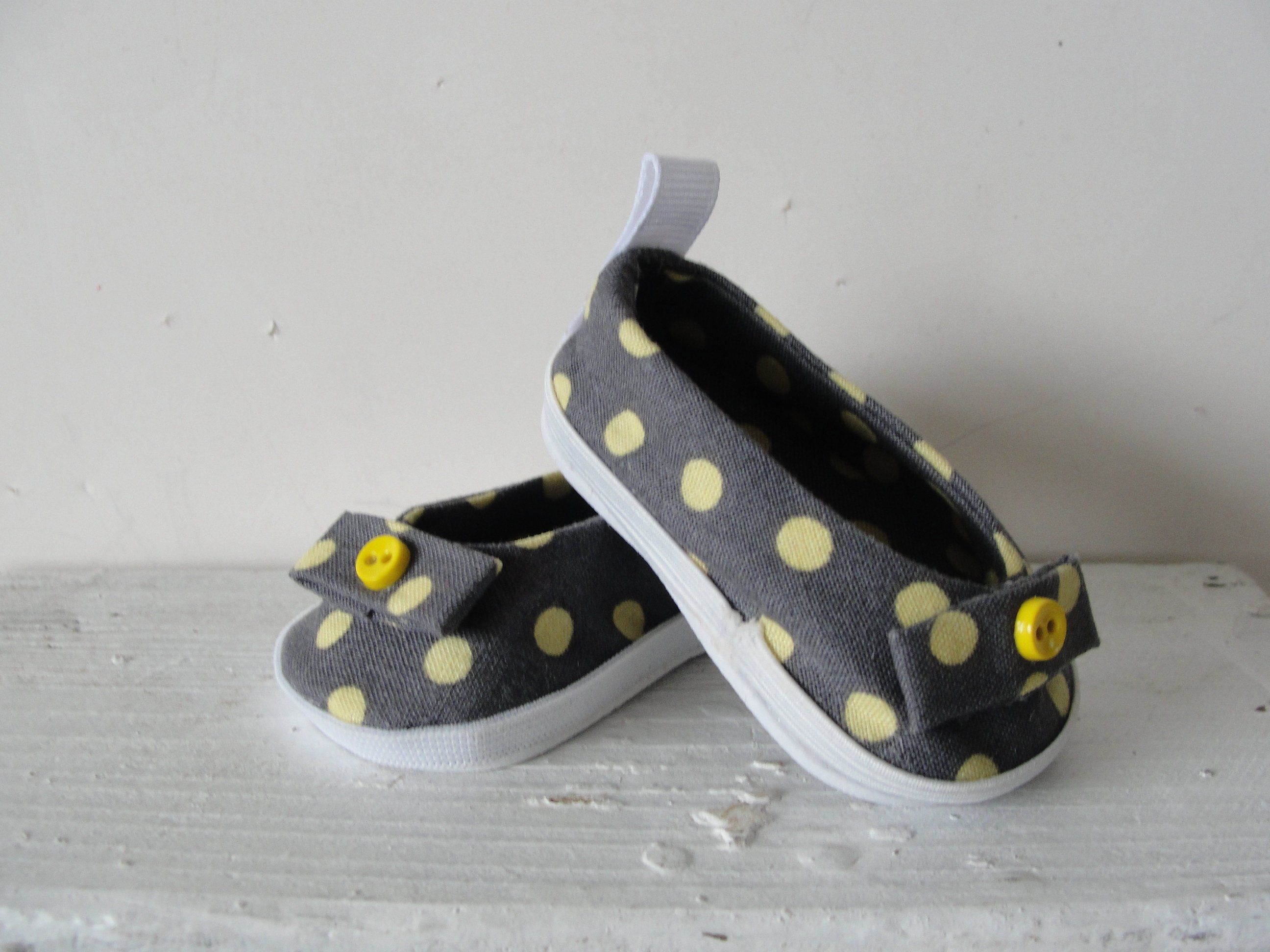 e6bed6e81bcfd Doll Shoes . Fits 18 inch dolls like American Girl. Gray with yellos ...