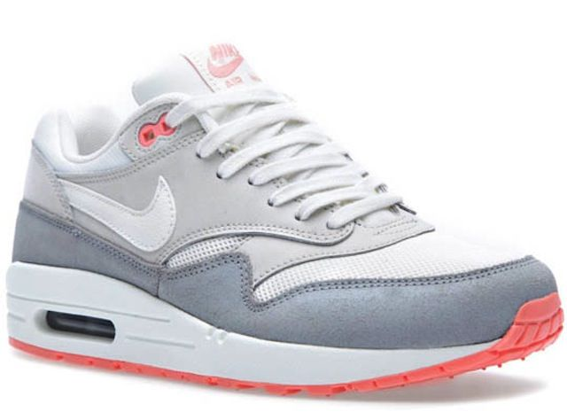 An upcoming Air Max 1 Essential looks a lot like it could easily be dubbed  the AM 1 Pigeons (or Un-Pigeons). Although these weren't designed by Jeff  Staple