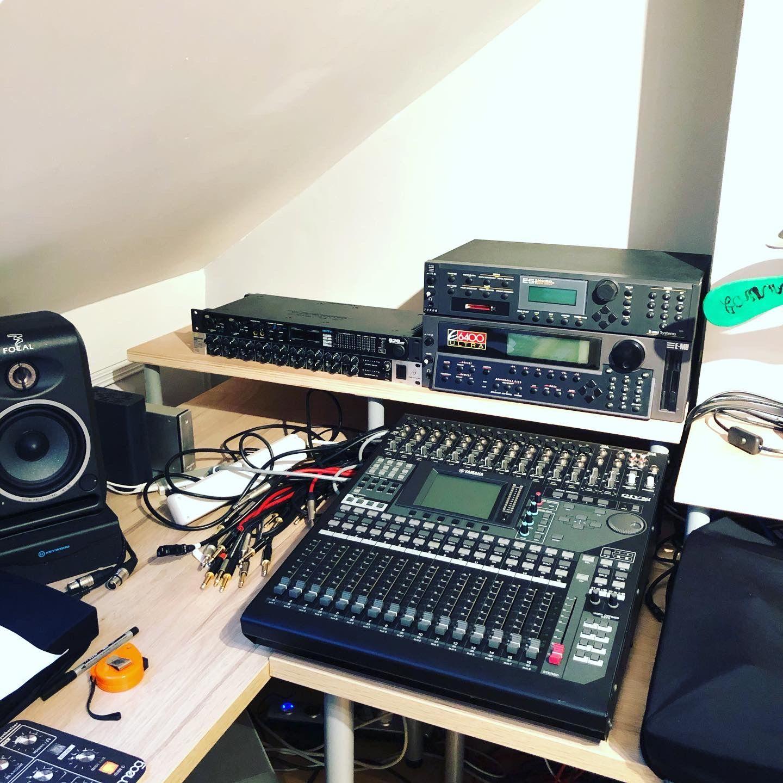 L Installation Avance Synthetiseur Home Studio Avancer