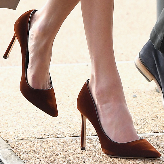 43e773362 Meghan Markle's burnt orange shoes! | Meghan Markle in 2019 | Jimmy ...
