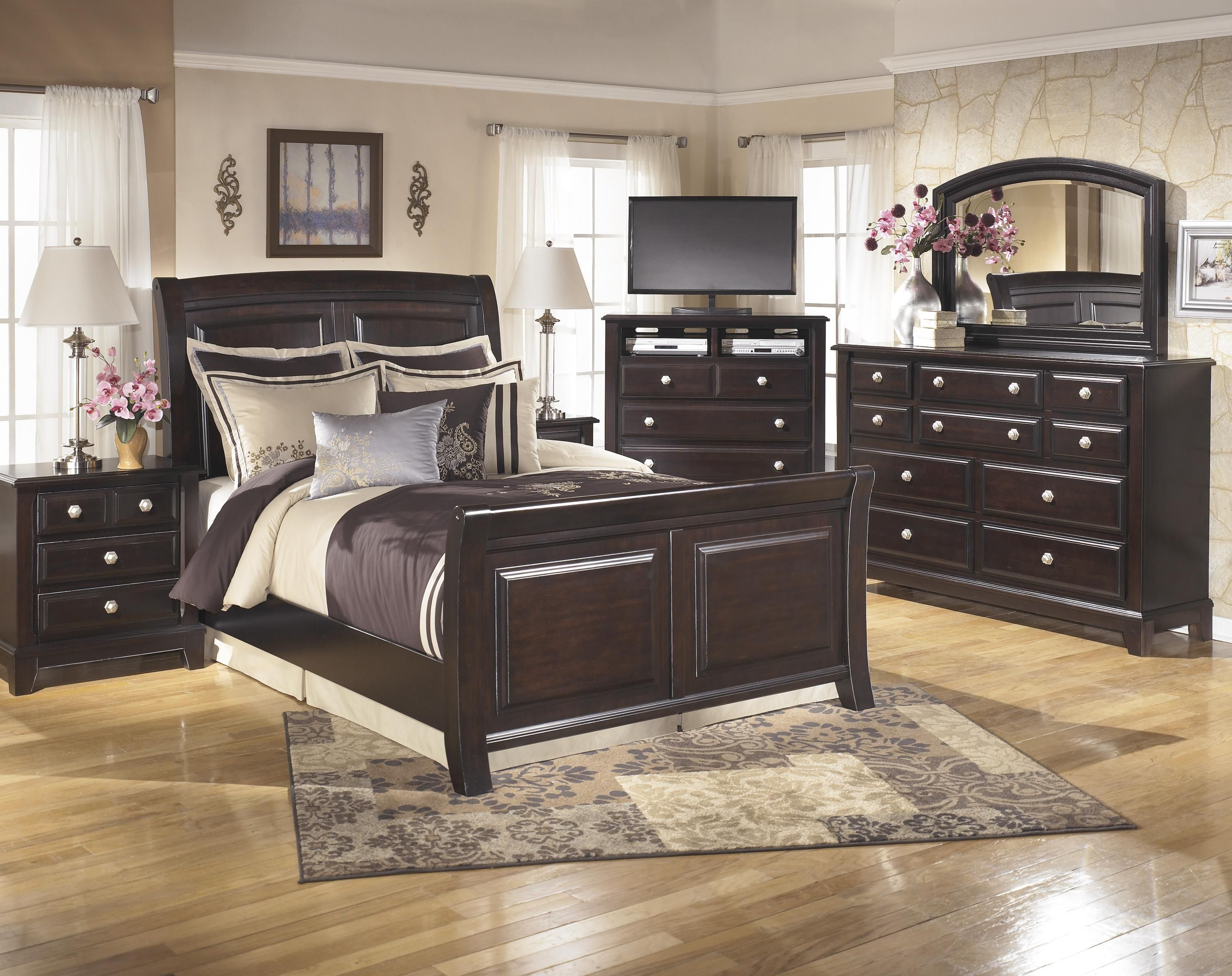 Ridgley Queen Bedroom Group By Signature Design By Ashley Ashley Bedroom Furniture Sets Bedroom Furniture Sets Cheap Bedroom Furniture