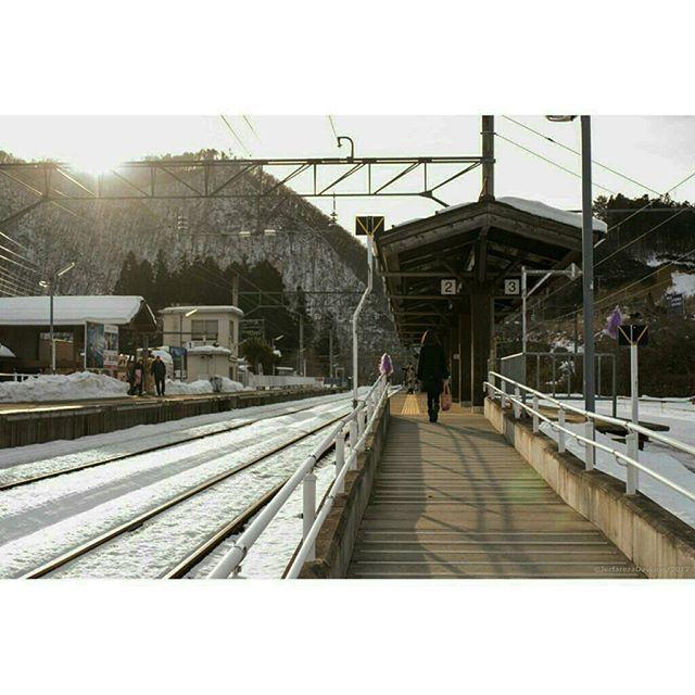 Reposting @jerfareza: That one day I visited sakunami onsen last winter. That day was just recent but seemingly so far away now that I think. . . #japan #mountain #japanese #instatravel #explorejapan #fotografia #holiday #station #cantik #sakunami #winter #snow #white