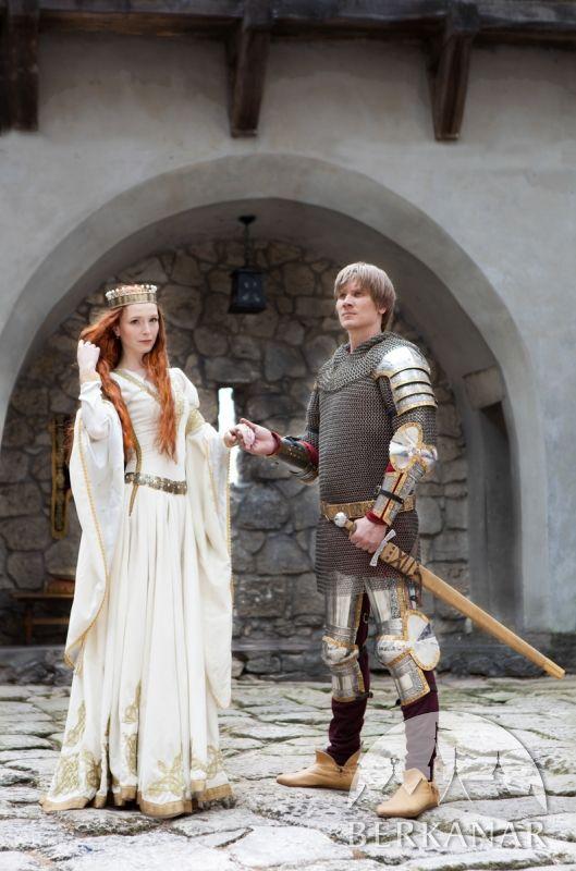 Свадебное бархатное платье в средневековом стиле и многое другое покупайте в нашем магазине!
