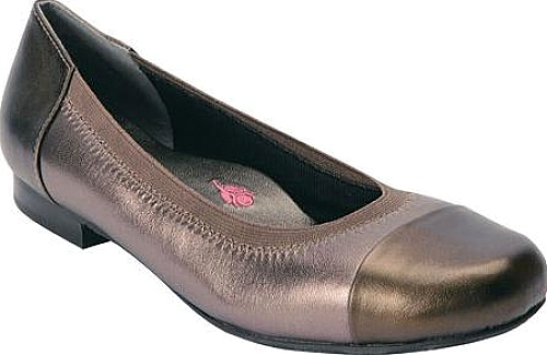 9071e01e480 Ros Hommerson Women s Shoes in Pewter Leather Color. Elegance ...