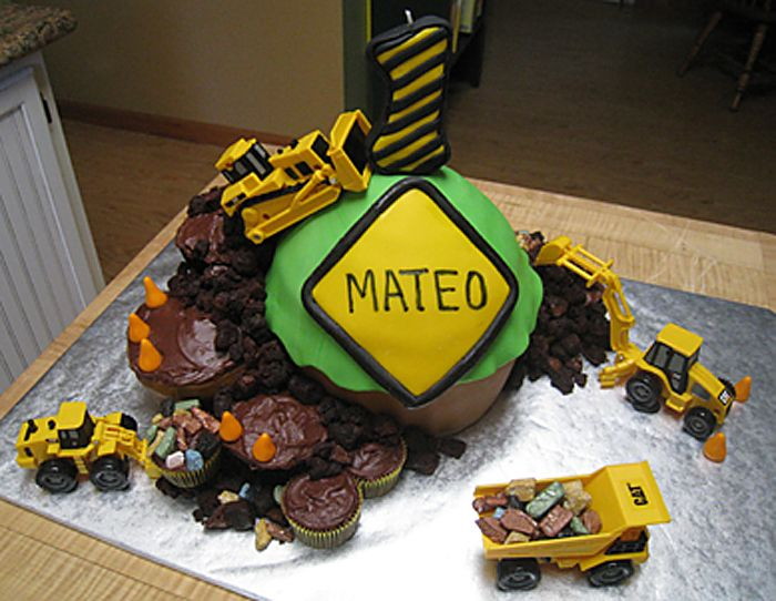 construction birthday cupcake cake Fun cake for little boys