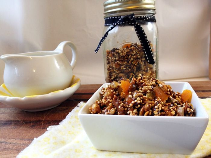 quinoa and pumpkin seed granola without oats