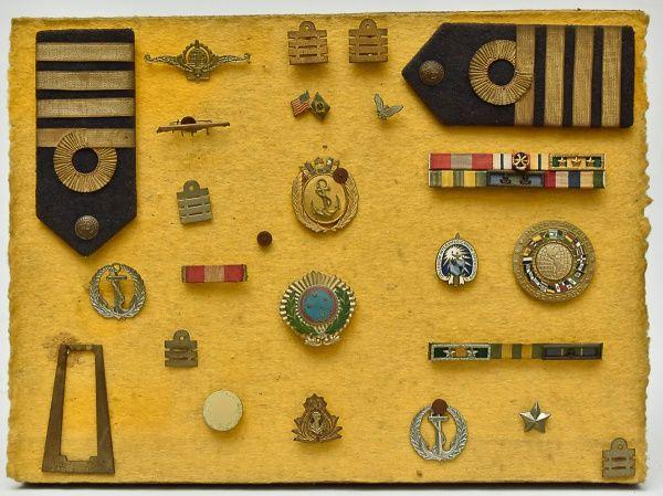 COLECIONISMO - Memorabilia - Grande coleção com barrete..