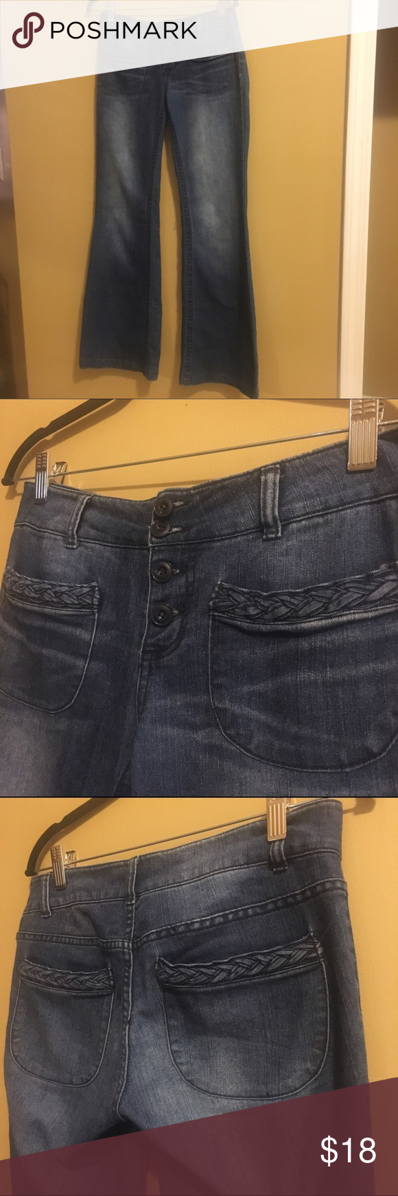 Forever 21 Wide-legged Jeans size 27 / 32 inch inseam / excellent quality! This was the old days of Forever 21 construction. They're precious jeans and sturdy, and well-made, in my opinion. Slight wear on back heel if cuff, but overall great condition! Forever 21 Jeans Flare & Wide Leg