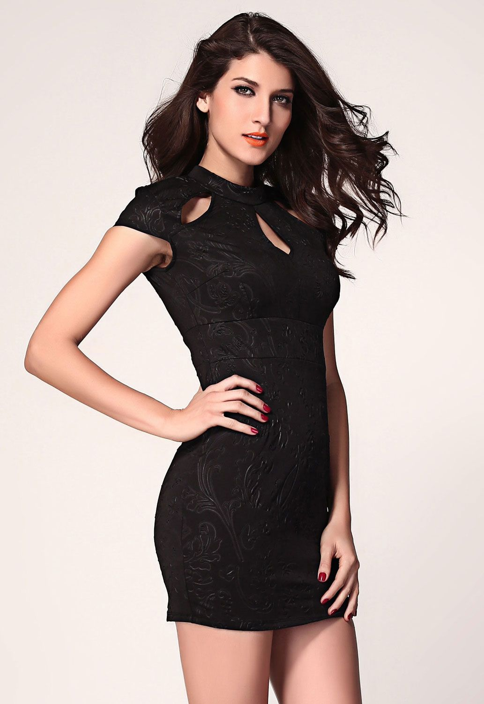 c3e34f4594e106 Zwart jurkje met openingen rond de hals Sexy Dresses