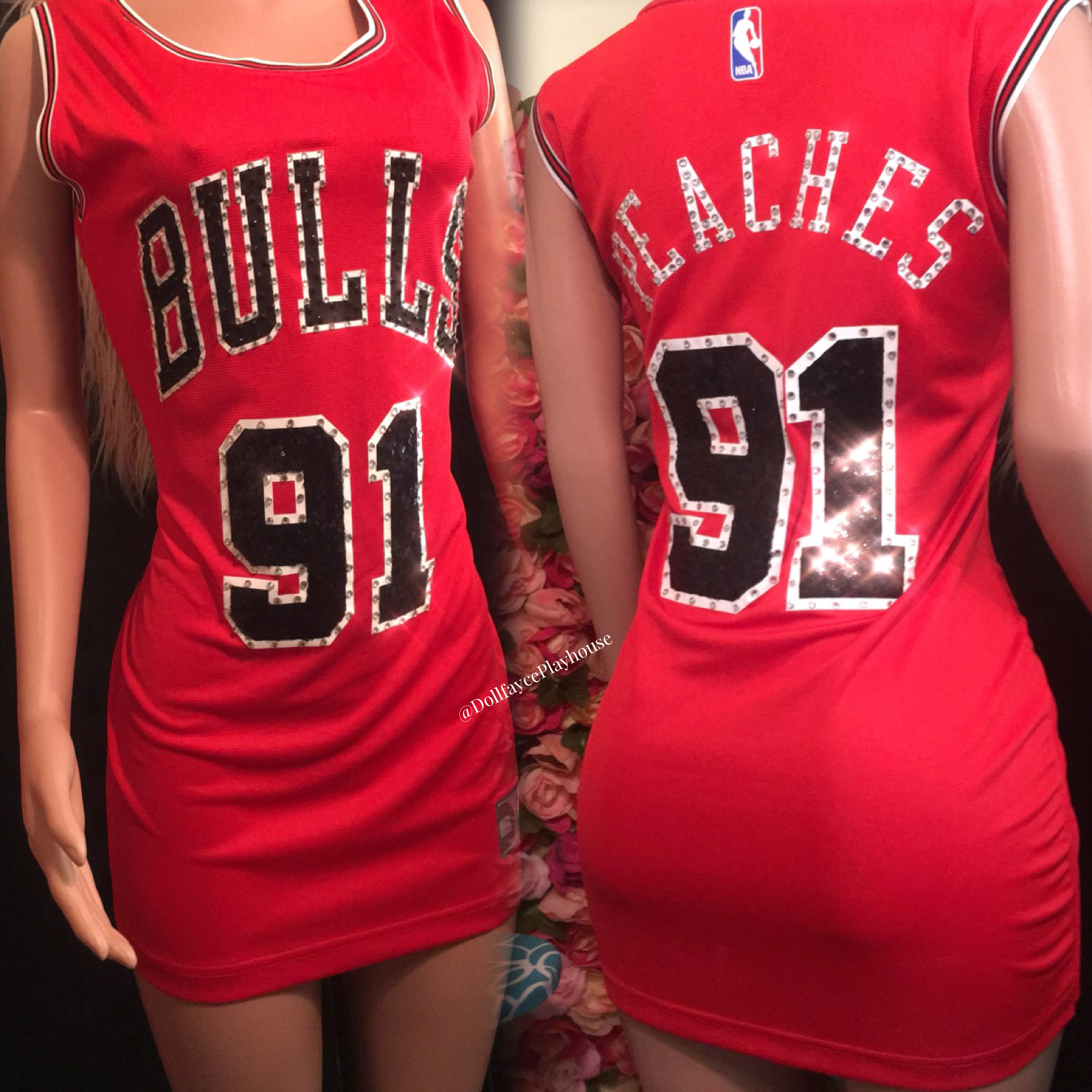 The Throwback Nba Jersey Dresses Bringing Back The Late 90s Early 2000s Fashion With A Nostalgic Feel And Vibe Jersey Dress Nba Jersey Dress Jersey Dresses Diy