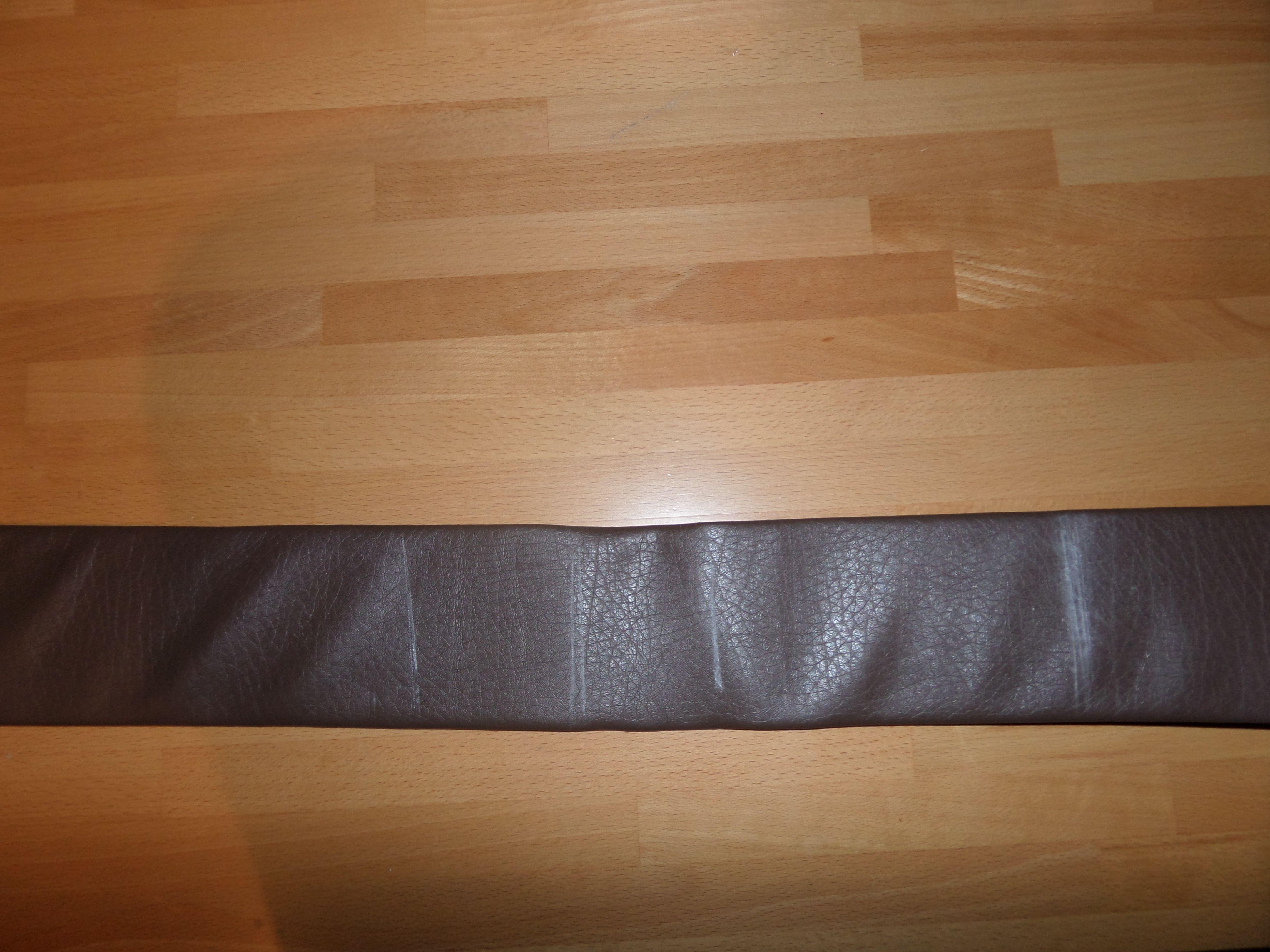 51. Jetzt kommt ein etwas schwierigerer Teil, der Waffengürtel, ich habe ihn genauso gemacht wie den unter Mantel Gürtel