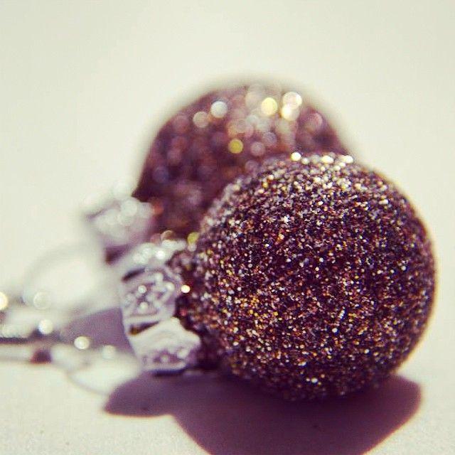 Christmas Earrings. Selfmade. #diy #christmas #earrings #selfmade #ohrringe #weihnachten #dinedesignfactory