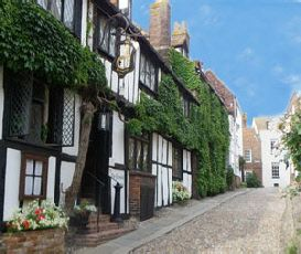 The Mermaid Inn In Rye England East Sus Is A Historic And Fascinating Place To