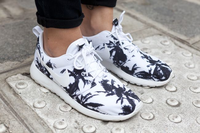 nike roshe with palm trees