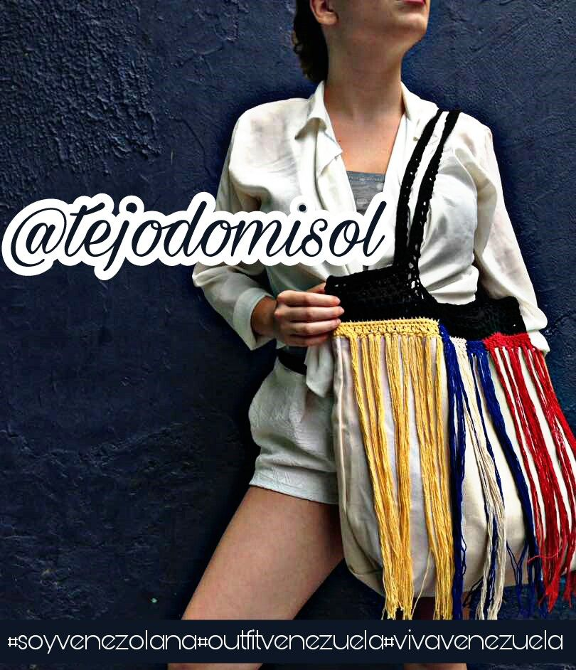 Disponible - bolso tricolor - siguenos en Instagram