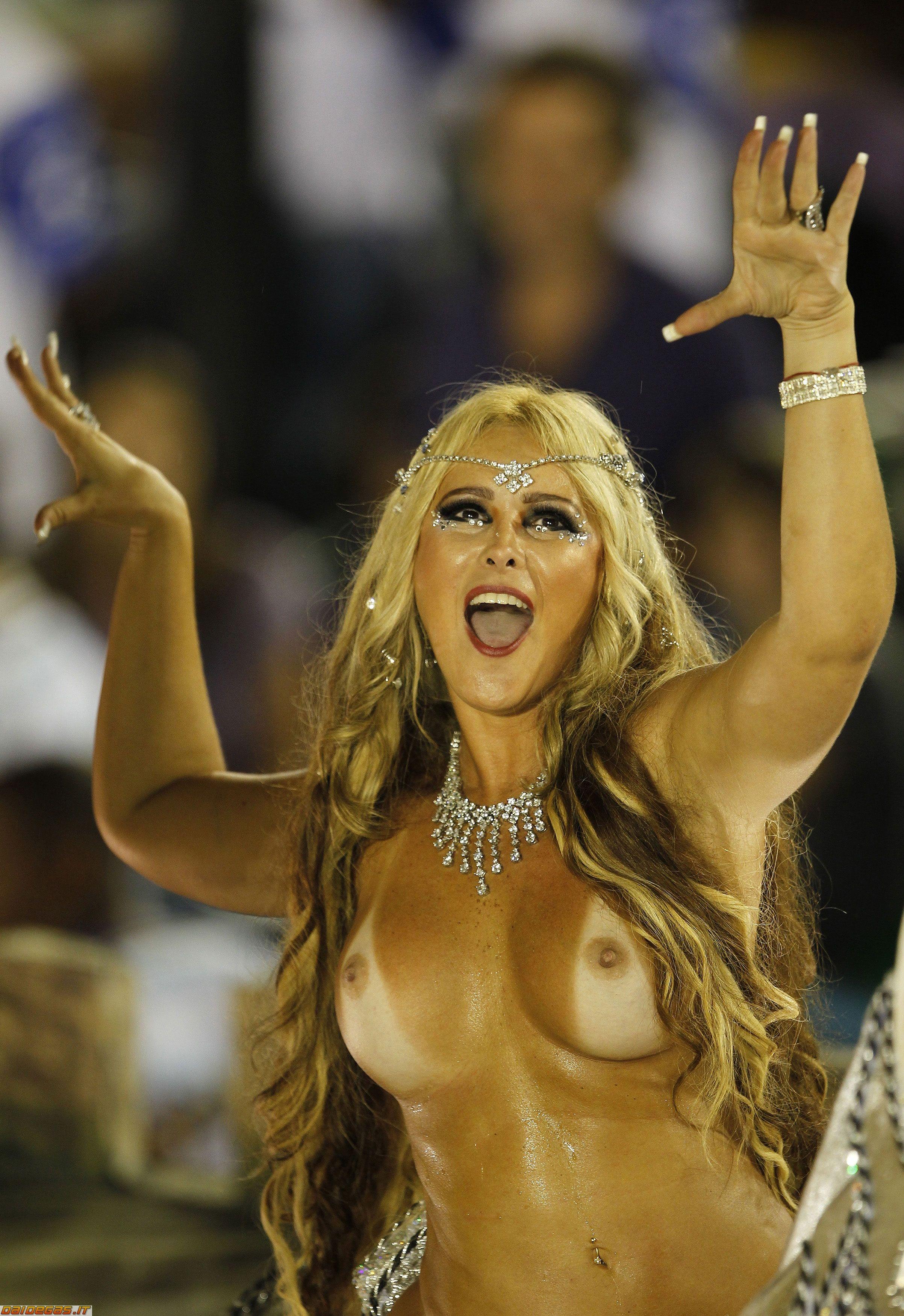 Curvy woman pussy blond