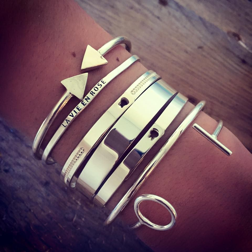 bracelet joncs argent tres classe pour porte avec une With robe de cocktail combiné avec bracelet or argent