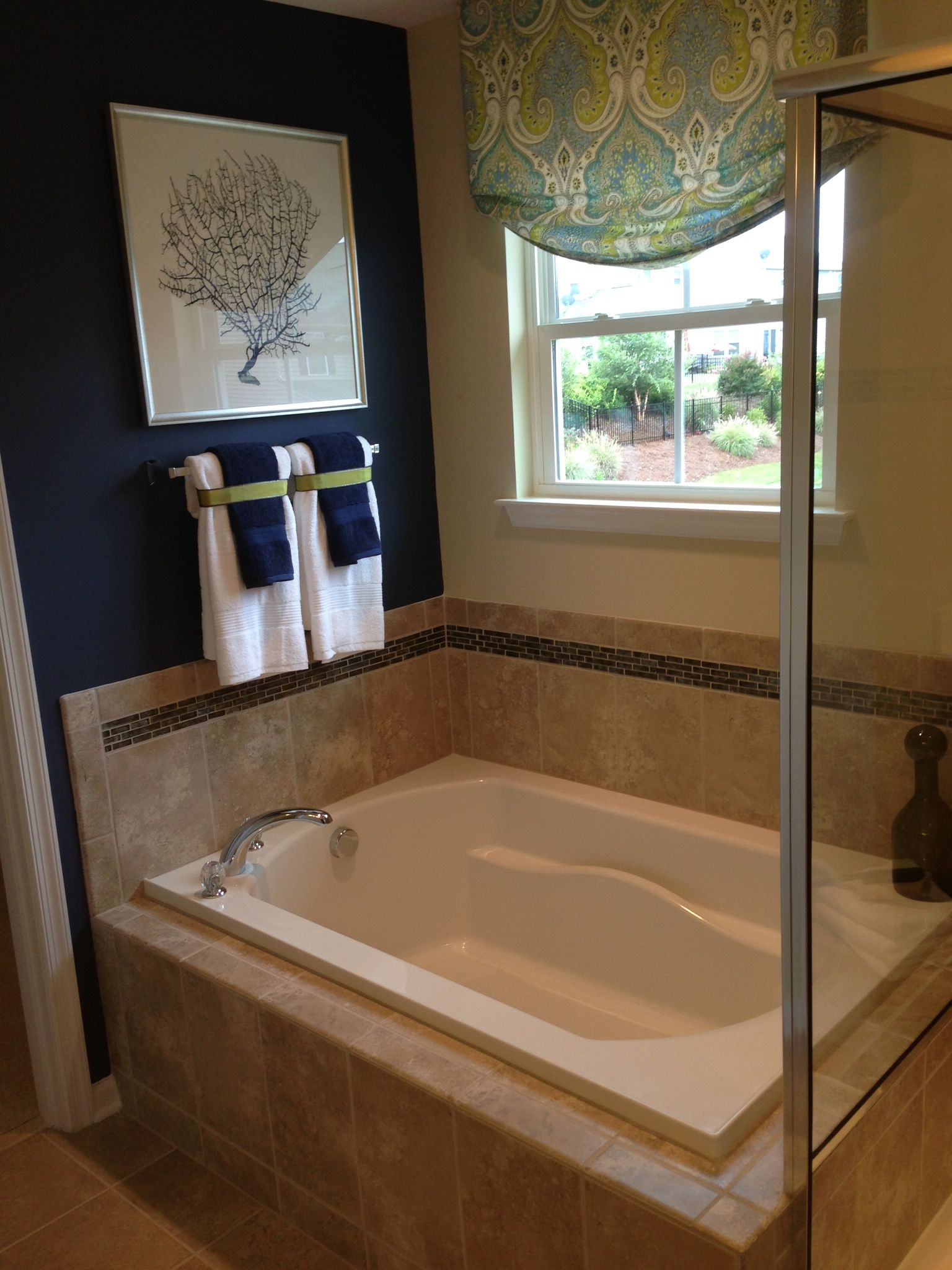 15 Genius Model Home Bathroom