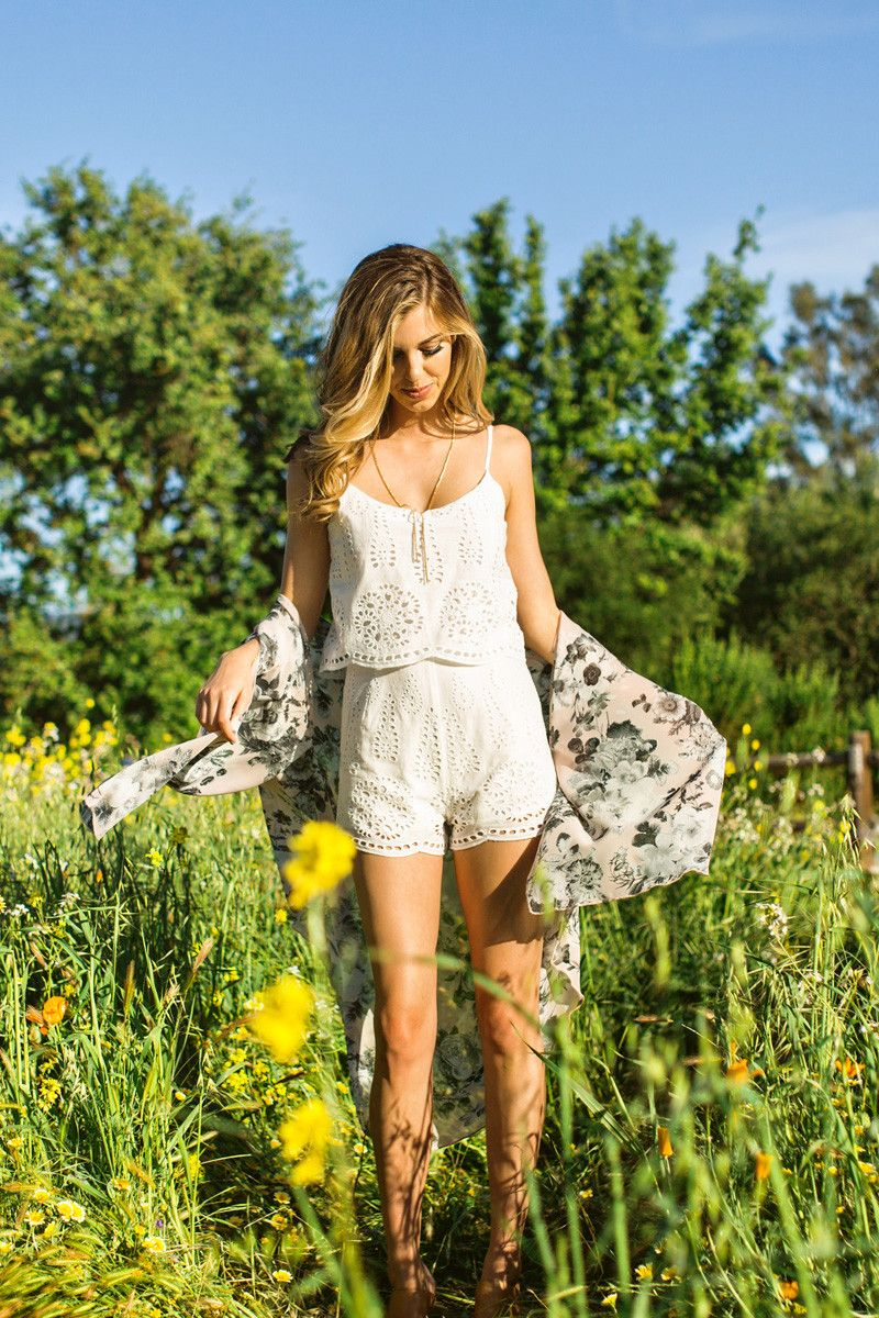 Spring Rompers for Women, How to wear white in Spring, Women's Outfit Inspiration