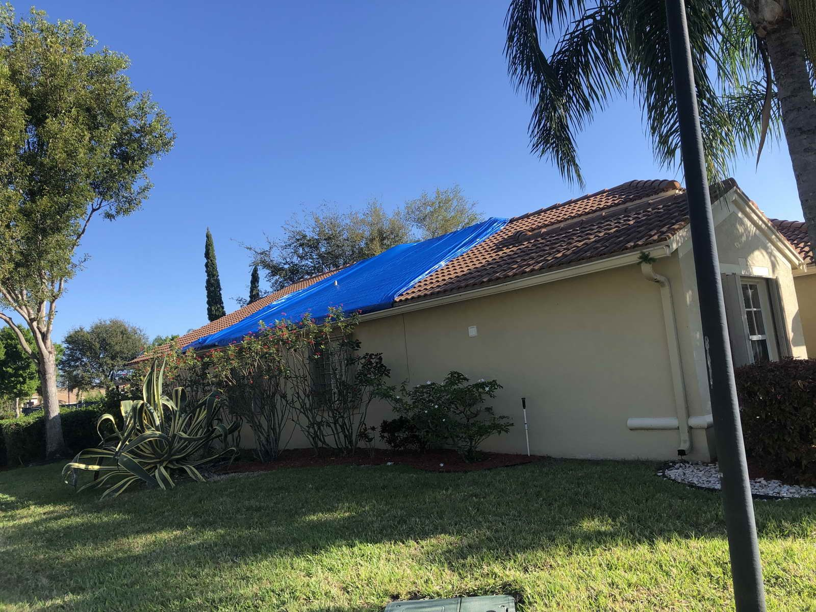 If You Have Any Water Damage Issues That Require Leak Detection Roof Tarp Or Flood Damage Contact A2z Water Damage In 2020 With Images Roof Damage Miami Dade County Water Damage