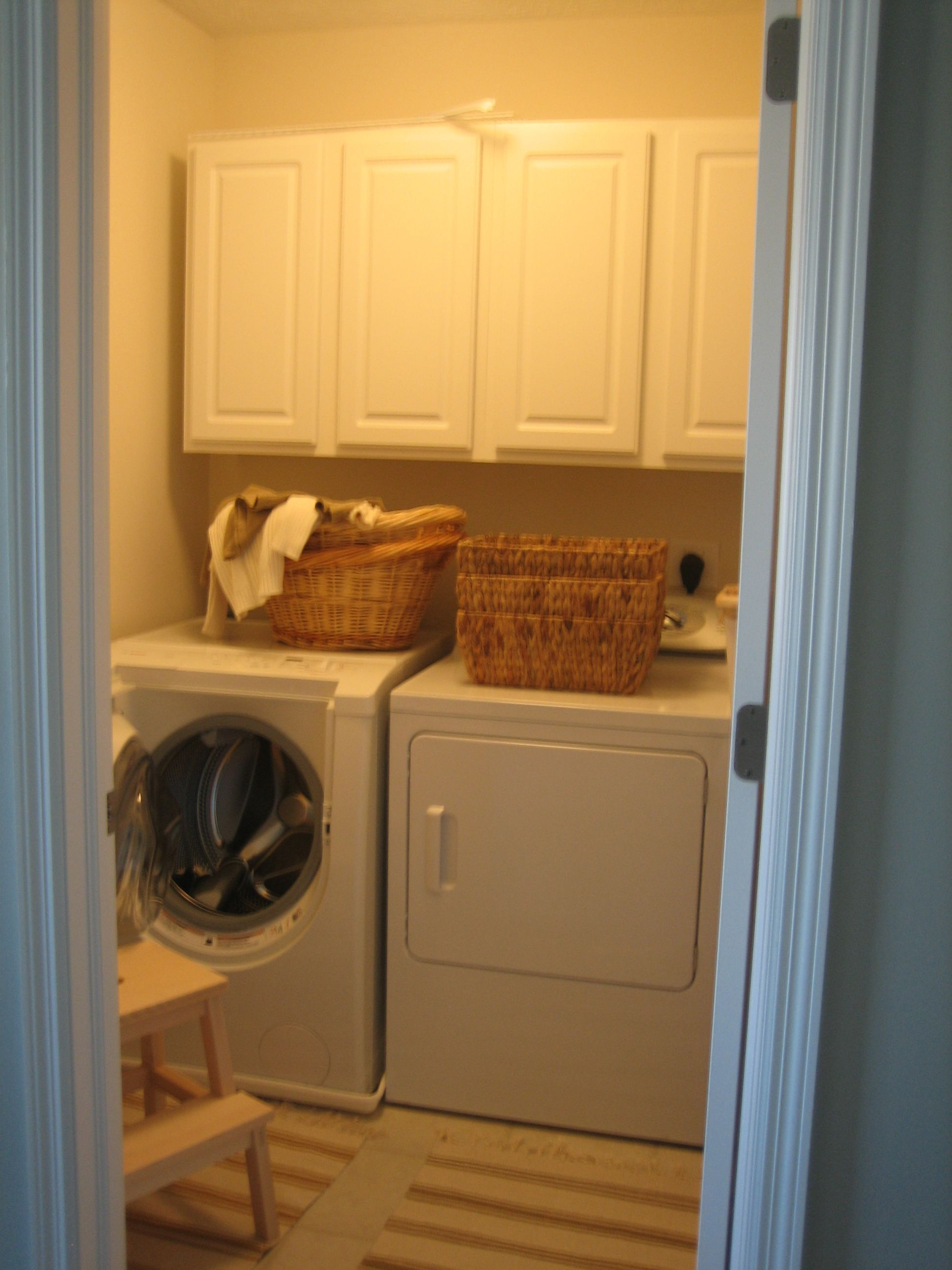 Laundry Room Makeovers - Laundry Room Before