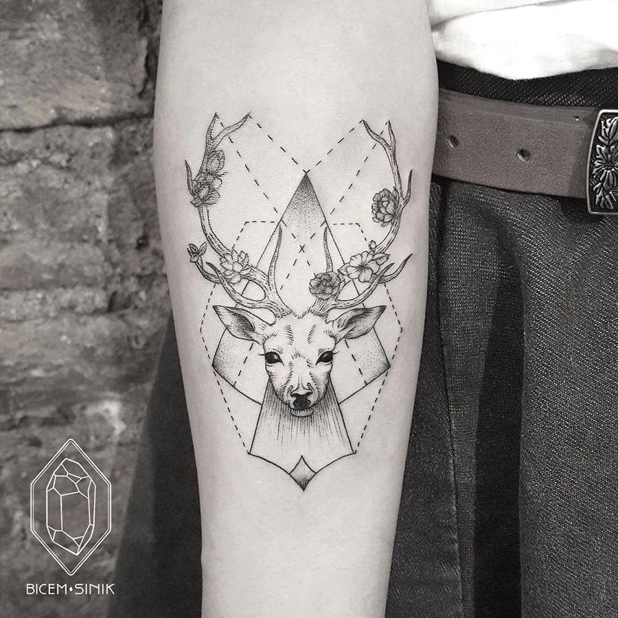 Minimalist Form And Geometric Animal Tattoos Geometric Animal Tattoo Geometric Tattoo Tattoo Trends