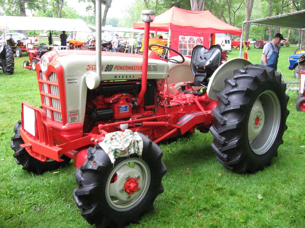Old Ford Diesel Tractors : Ford powermaster diesel vintage tractors riding