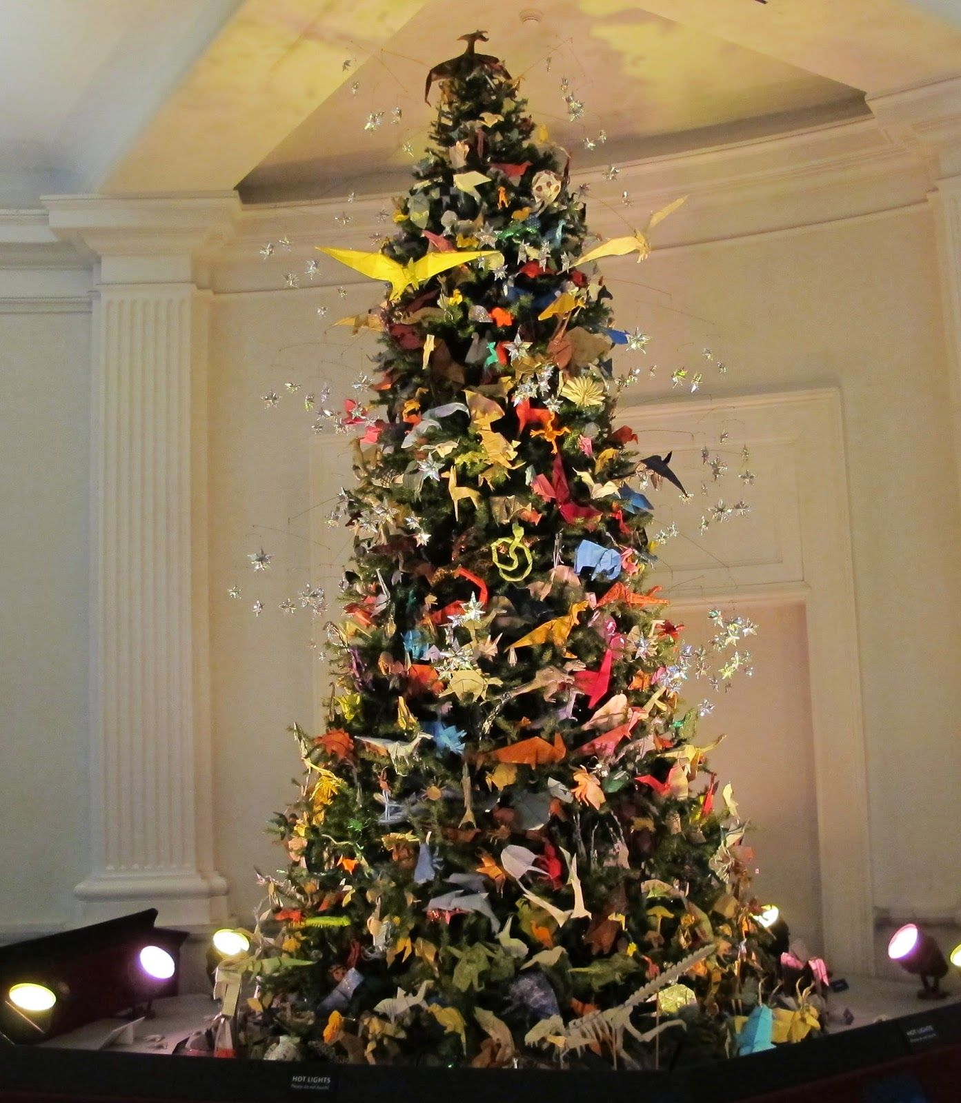 Christmas Tree Orgin: Big Apple Secrets: Origami Tree In Museum оf Natural