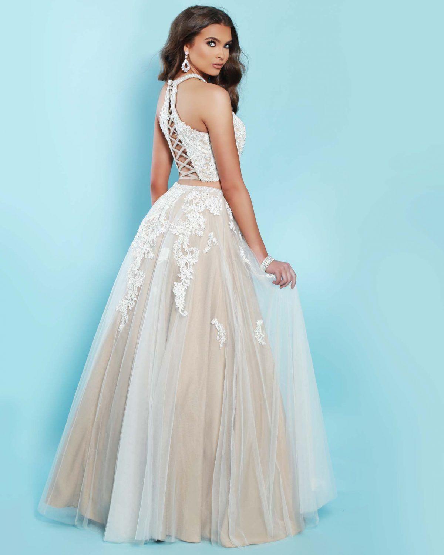 2Cute Prom available at Spotlight Formal Wear! #SpotlightProm