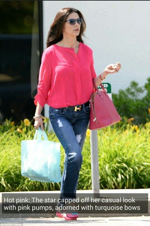 Hot pink: The star capped off her casual look with pink pumps, adorned with  turquoise bows.