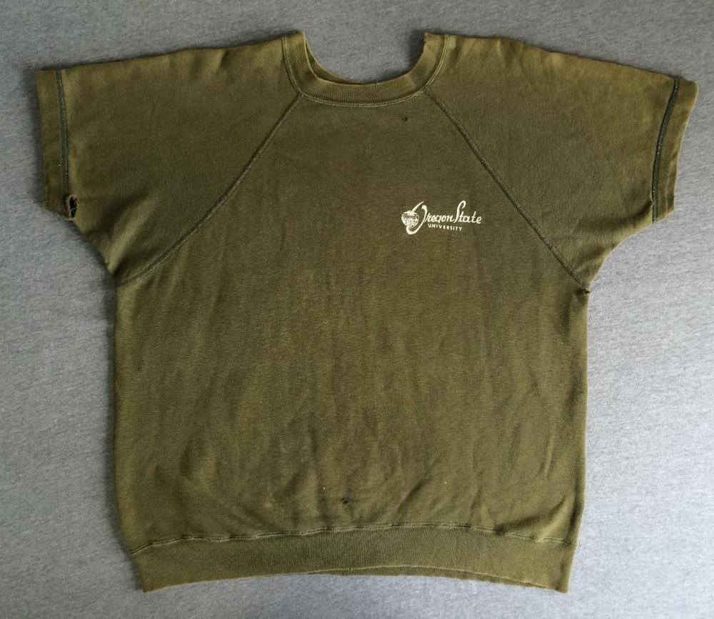 CHAMPION Sweatshirt 1960's Vtg Oregon State Short Sleeve Runner Knitwear Green #Champion #SweatshirtCrew