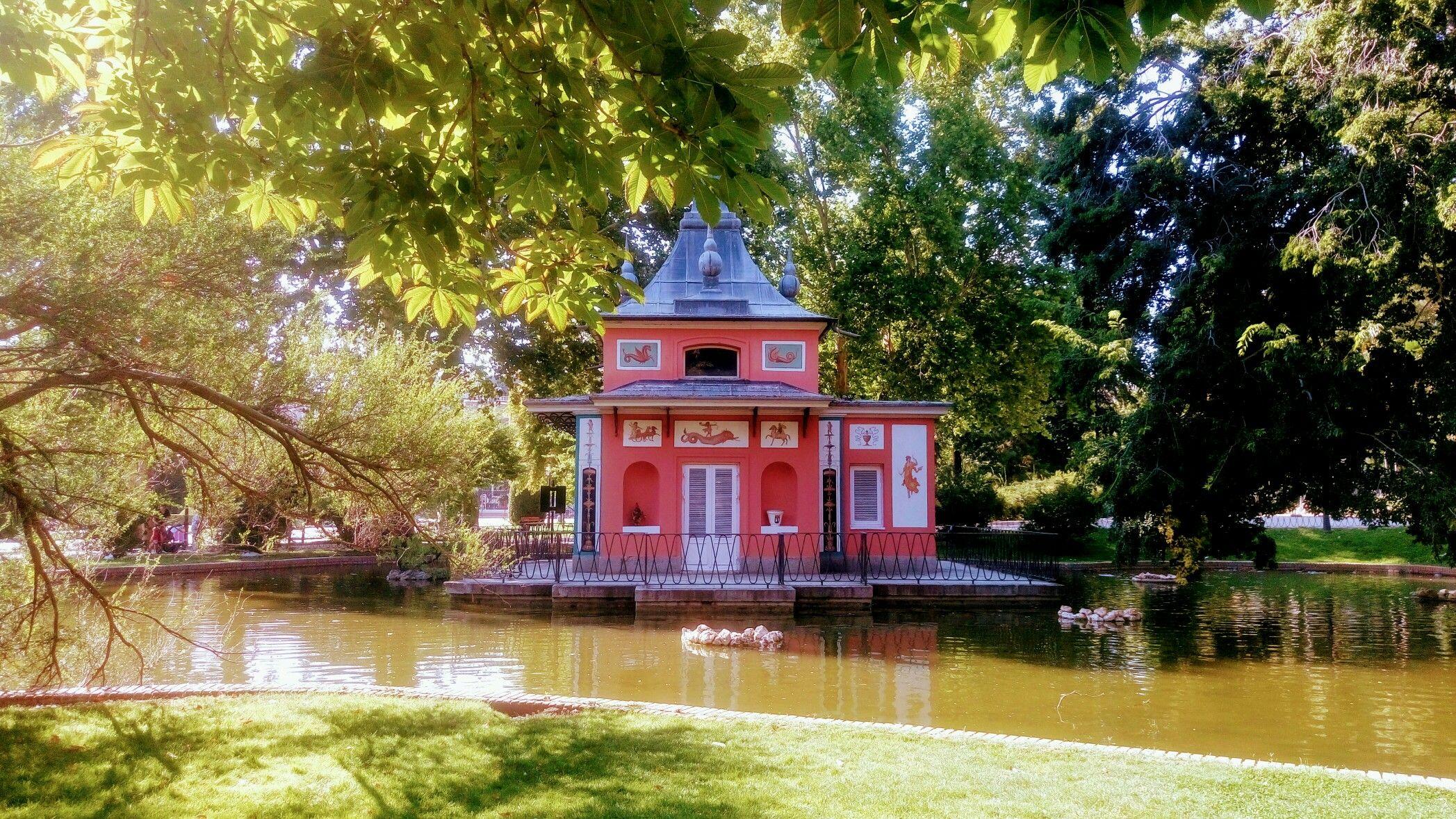 Casa Del Pescador Parque Del Buen Retiro Madrid Parque Del