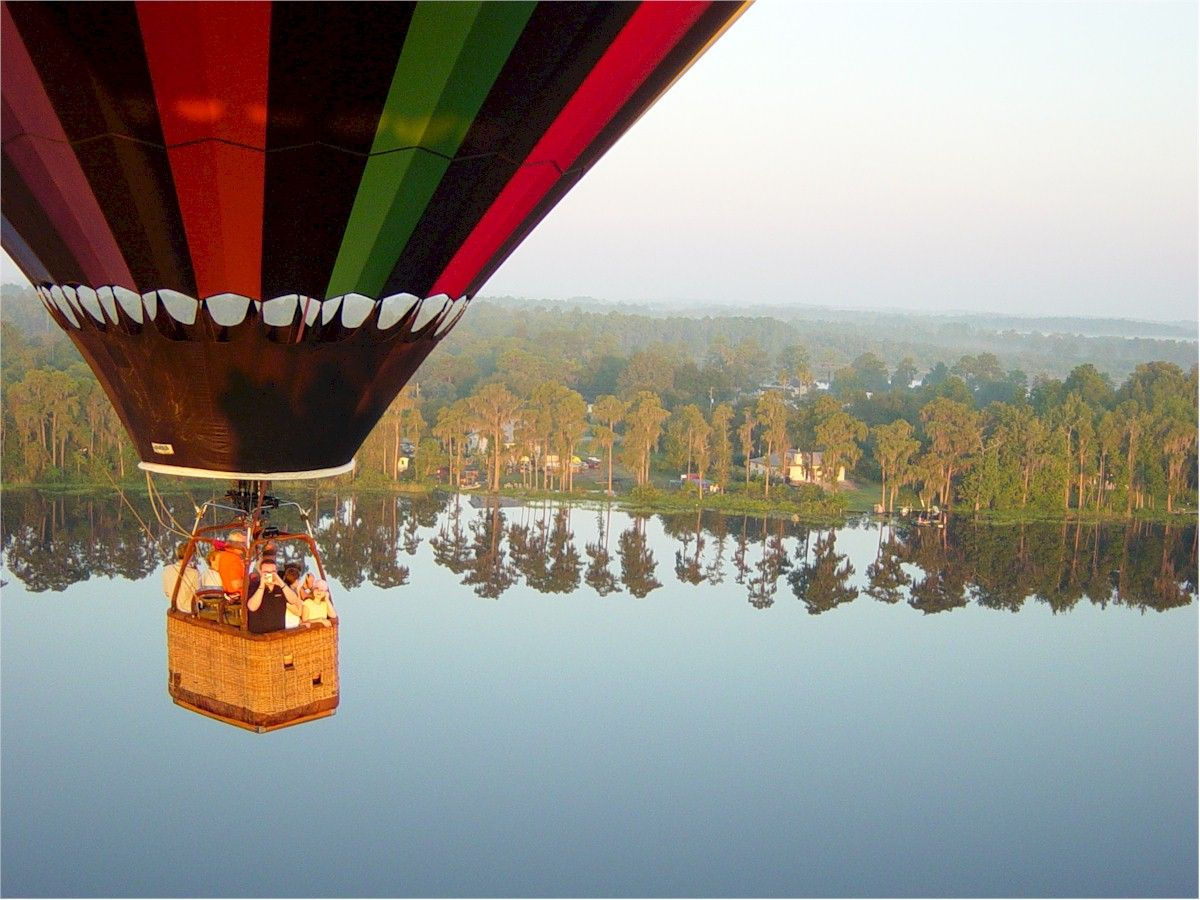 While flying with Balloon Rides Orlando, enjoy the