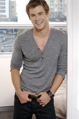 Chris Hemsworth .... that smile! :))