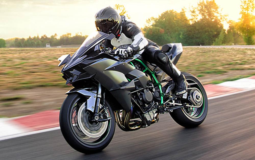 كاوازاكي نينجا أتش 2 آر 2018 الشبح الذي أعاد رسم تاريخ الدراجات موقع ويلز Kawasaki Ninja Kawasaki Ninja