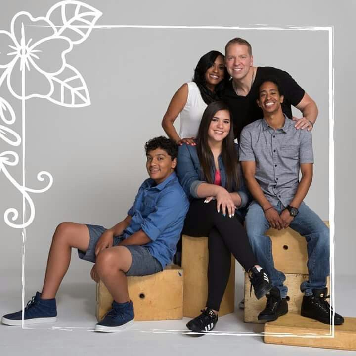 comedian gary owen wife kenya and their kids cute. Black Bedroom Furniture Sets. Home Design Ideas