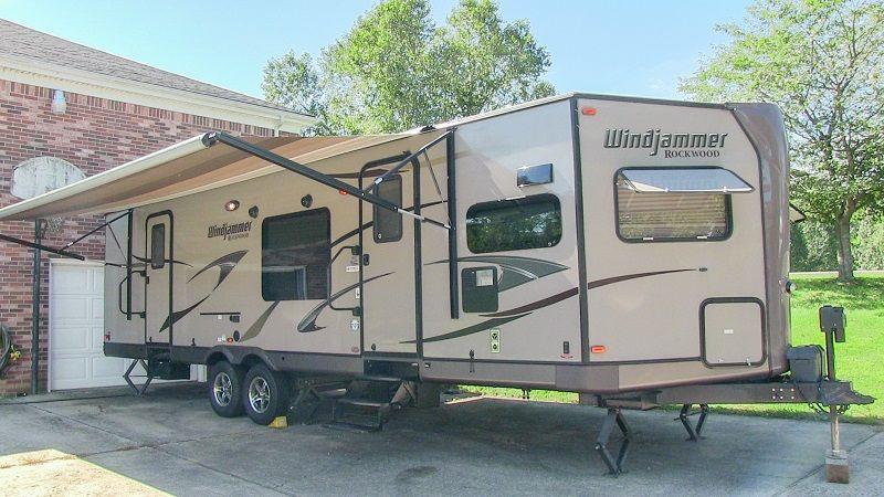 2013 Forest River Rockwood Windjammer 3008w Travel Trailer 2