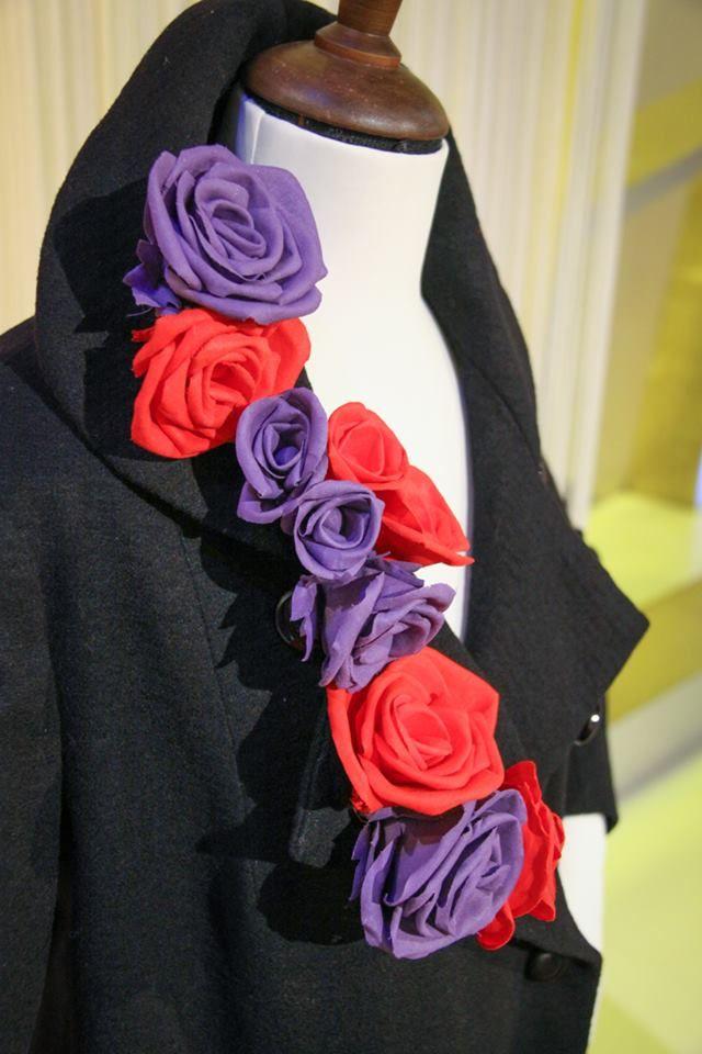Le rose di stoffa di Anna Borrelli - Detto fatto 10/12/14 Una idea originale per rinnovare un vecchio cappotto