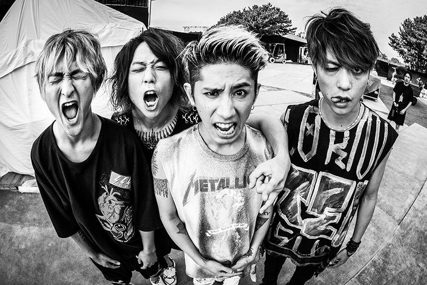 『ONE OK ROCKのライブを、三人が語る』。アルバム制作中の不安が露わに