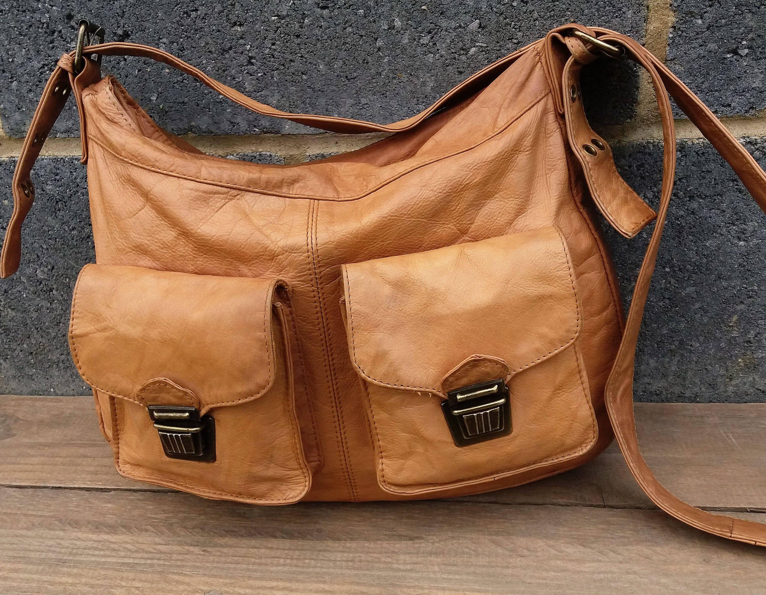 2d7fe491efe7 Brown leather Satchel Messenger Bag